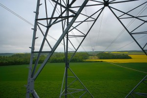 Inspection aérienne par drone d'un pylône